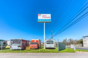 Devon Self Storage - Austin - Photo 11