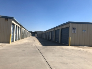 Purely Storage - Porterville - Photo 12