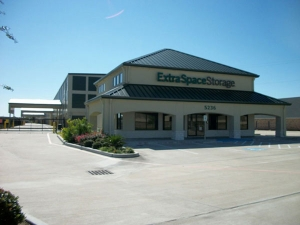 Extra Space Storage - Baytown - East Freeway - Photo 1