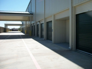 Extra Space Storage - Baytown - East Freeway - Photo 2