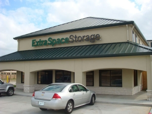 Extra Space Storage - Baytown - East Freeway - Photo 7
