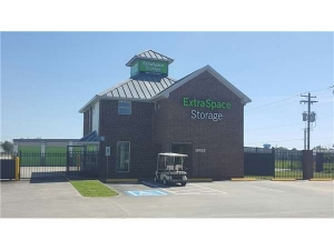Extra Space Storage - Kemah - State Hwy FM 518 - Photo 1