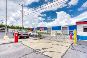 Storage Sense - Winston Salem - Peters Creek - Photo 9