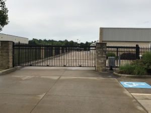 Image of Lunn Road Storage Facility on 21931 Lunn Road  in Strongsville, OH - View 4