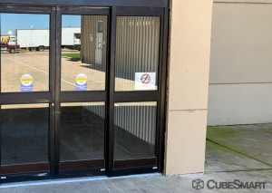 CubeSmart Self Storage - Dallas - 9713 Harry Hines Blvd - Photo 3