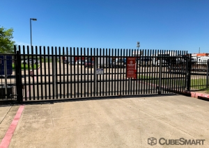 CubeSmart Self Storage - Dallas - 9713 Harry Hines Blvd - Photo 6