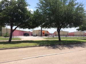 Image of A Discount Mini Storage Facility on 9419 Buffalo Speedway  in Houston, TX - View 4