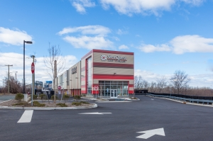 Image of StorQuest - Jersey City / Tonnelle Facility on 319 Tonnelle Avenue  in Jersey City, NJ - View 3