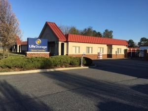 Image of Life Storage - Richmond - Jahnke Road Facility on 6208 Jahnke Road  in Richmond, VA - View 4