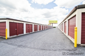 Image of CubeSmart Self Storage - Lemoyne Facility on 350 South 7th Street  in Lemoyne, PA - View 2