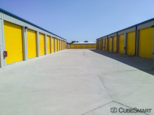 CubeSmart Self Storage - Bacliff - Photo 3