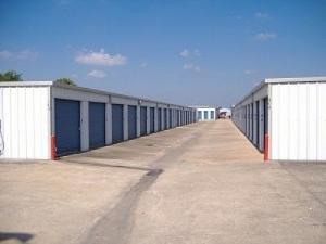 Allen Mini Storage - Angleton - 2600 South Velasco Street - Photo 1