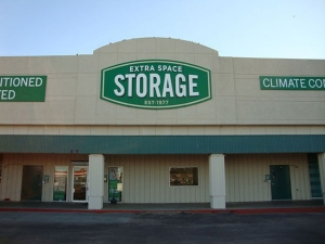 Extra Space Storage - South Houston - Spencer Hwy - Photo 1