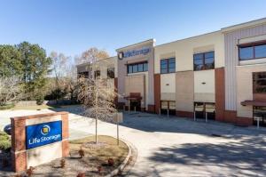 Image of Life Storage - Marietta - Johnson Ferry Road Facility on 3148 Johnson Ferry Road  in Marietta, GA - View 4
