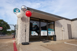 Fort Worth Bargain Storage - 8900 Creek Run Road - Photo 3