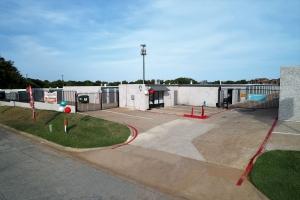 Fort Worth Bargain Storage - 8900 Creek Run Road - Photo 12
