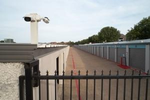 Fort Worth Bargain Storage - 8900 Creek Run Road - Photo 14