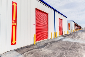All Storage - Yukon I-40 - 515 N Mustang Rd - Photo 4