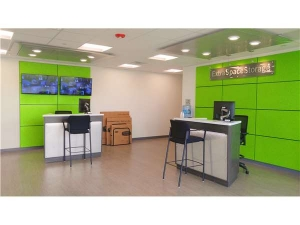 Picture of Extra Space Storage - Dallas - 5353 Maple Ave