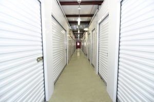 SecurCare Self Storage - Indianapolis - W. County Line Rd. - Photo 3