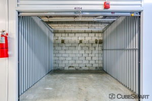Image of CubeSmart Self Storage - Oakland Park Facility on 5061 Northeast 13th Avenue  in Oakland Park, FL - View 4
