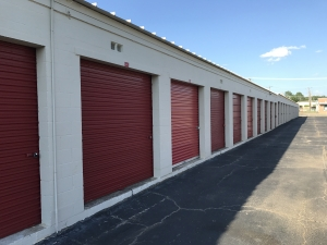 Image of U-Store-It - Ft. Worth Facility on 5513 East Lancaster Avenue  in Fort Worth, TX - View 2
