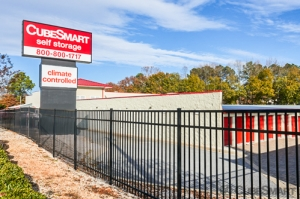 Image of CubeSmart Self Storage - Greenville - 450 Haywood Rd Facility on 450 Haywood Rd  in Greenville, SC - View 2