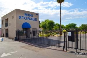 Image of Paradise Mini Storage - Glendale - 5913 W Paradise Ln Facility on 5913 W Paradise Ln  in Glendale, AZ - View 2