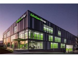 Picture of Extra Space Storage - Portland - NE Columbia Blvd