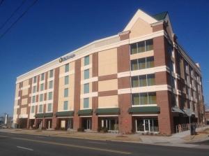 Image of Life Storage - Charlotte - Morehead Street Facility on 604 West Morehead Street  in Charlotte, NC - View 3