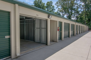 Image of Key Storage Facility on 3719 Winder Highway  in Flowery Branch, GA - View 3