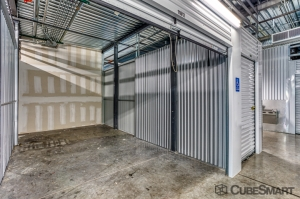 CubeSmart Self Storage - Dallas - 5505 Maple Ave - Photo 3
