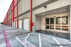 CubeSmart Self Storage - Dallas - 5505 Maple Ave - Photo 4