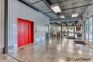 CubeSmart Self Storage - Dallas - 5505 Maple Ave - Photo 5
