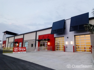 Image of CubeSmart Self Storage - Tampa - 4310 W Gandy Blvd Facility on 4310 W Gandy Blvd  in Tampa, FL - View 2
