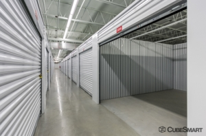 Image of CubeSmart Self Storage - Tampa - 4310 W Gandy Blvd Facility on 4310 W Gandy Blvd  in Tampa, FL - View 3