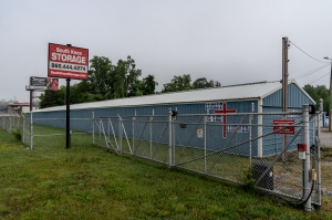 Image of South Knox Storage Facility on 8234 Chapman Highway  in Knoxville, TN - View 2