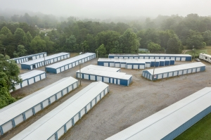 Image of South Knox Storage Facility on 8234 Chapman Highway  in Knoxville, TN - View 3