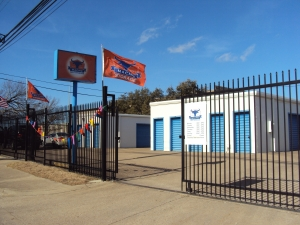 Image of Macho Self Storage - Dallas Willowbrook Facility on 2601 Willowbrook Road  in Dallas, TX - View 3
