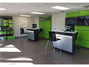 Picture of Extra Space Storage - North Charleston - 6941 Rivers Ave