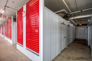 CubeSmart Self Storage - Chicago - 1038 W 35th St - Photo 4