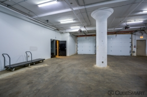 CubeSmart Self Storage - Chicago - 1038 W 35th St - Photo 5