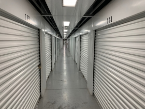 Guard Space Storage - Port Charlotte - Photo 4