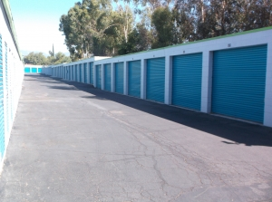 Right Space Storage - Rialto - Photo 2