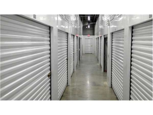 Image of Extra Space Storage - Portland - Holladay St Facility on 989 Northeast 61st Avenue  in Portland, OR - View 2