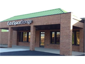 Extra Space Storage - Elmhurst - Industrial Dr