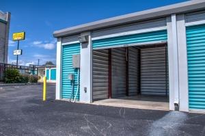 Picture 8 of Lockaway Storage - Huebner - FindStorageFast.com