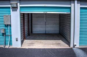 Picture 9 of Lockaway Storage - Huebner - FindStorageFast.com