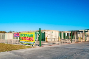 Image of Lockaway Storage - FM 1976 Facility on 8874 Farm To Market Road 1976  in Converse, TX - View 3