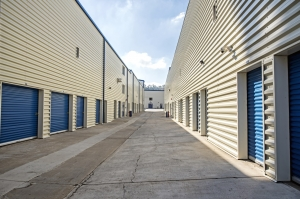 StaxUp Storage - Hill Street - Photo 2